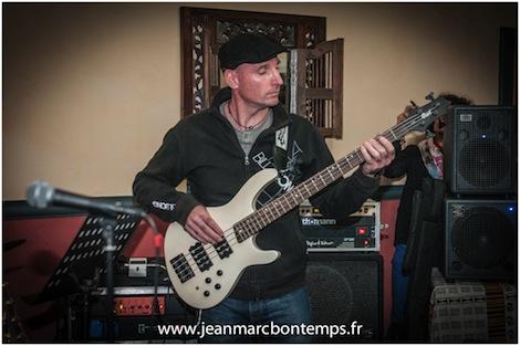 Elève bassiste à Musiques Actuelles